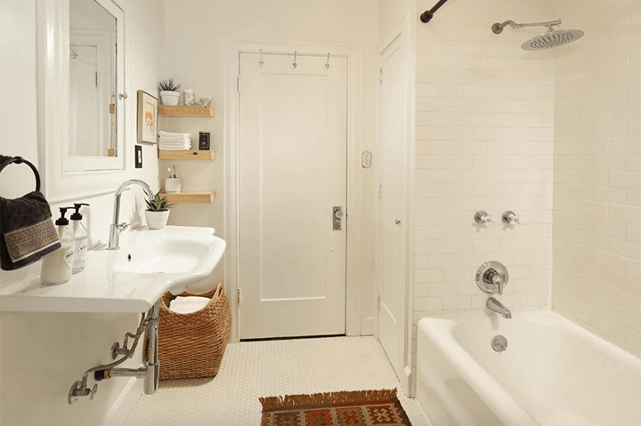 Spanish-style dwelling for sale in Eagle Rock