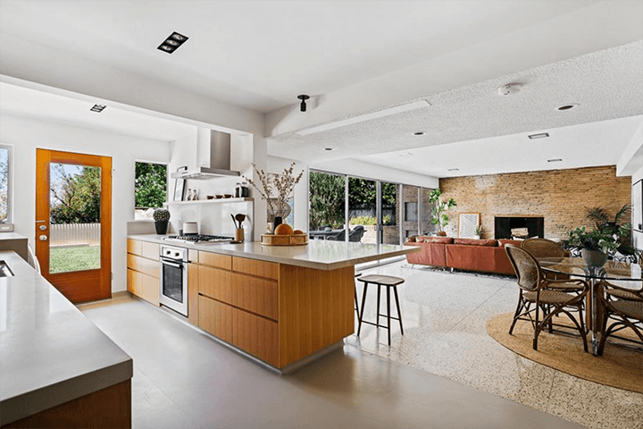Mid-century house by Eugene Woods for sale in Silver Lake