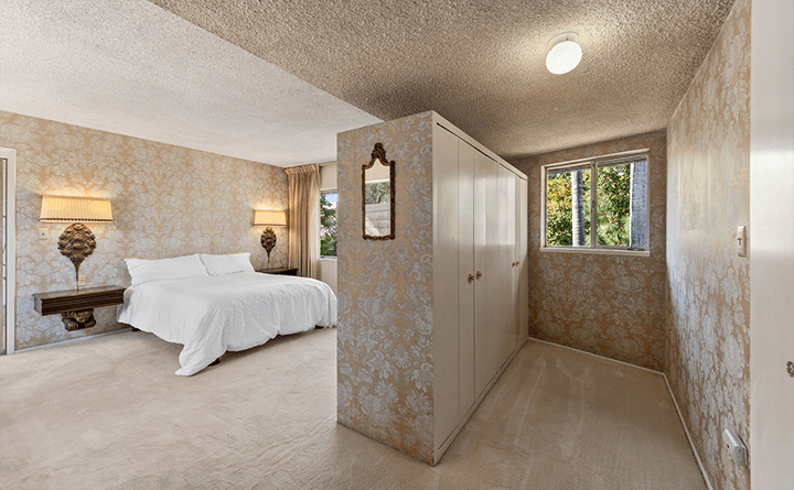 Midcentury fixer for sale in Laughlin Park