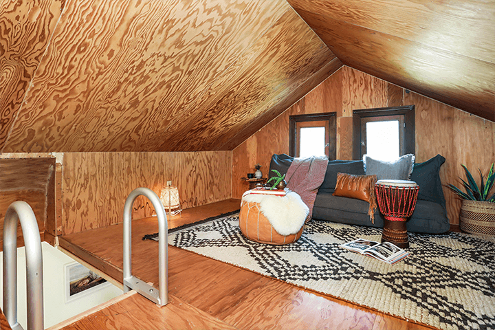 Cozy 'treehouse' cottage for sale in Echo Park CA