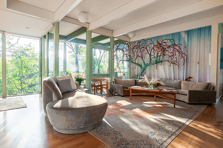 Midcentury home for sale in the Hollywood Hills CA