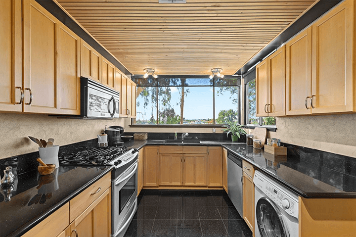Two-bedroom mid-century townhome for sale in Pasadena