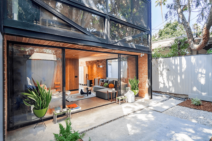 Craig Ellwood's Courtyard Apartments for sale in Hollywood CA
