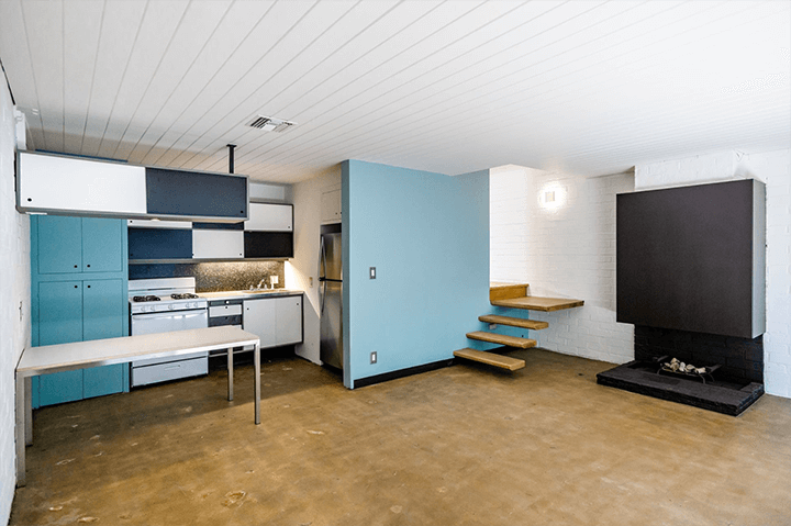 Inside Craig Ellwood's Courtyard Apartments for sale in Hollywood