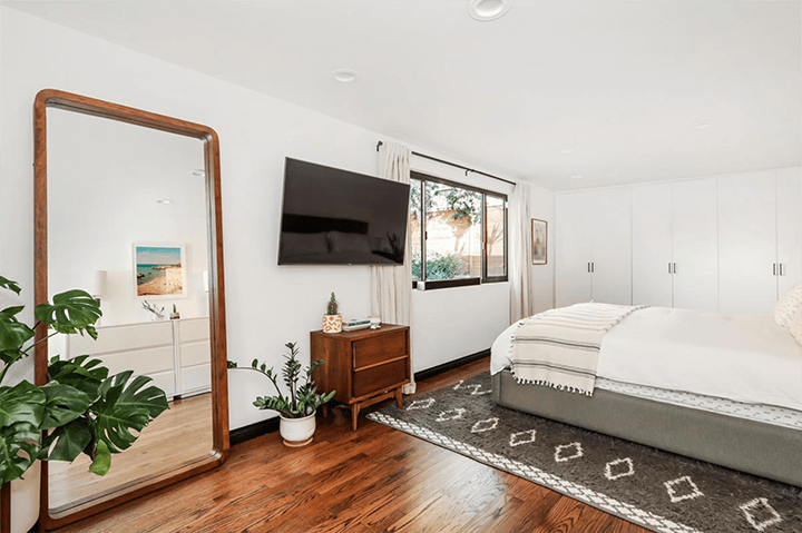 Spanish residence for sale in Highland Park CA