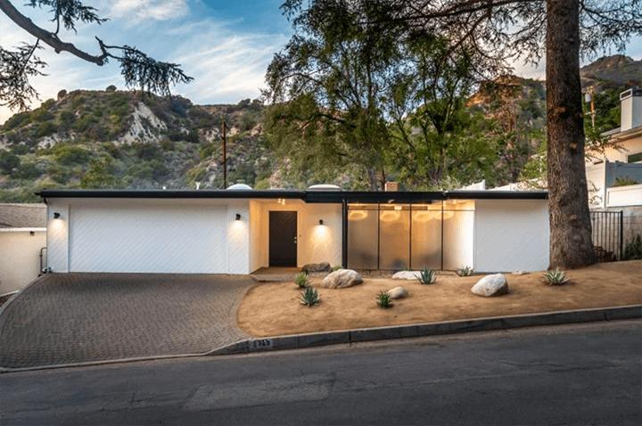 Pierre Koenig's Squire House for sale in La Canada