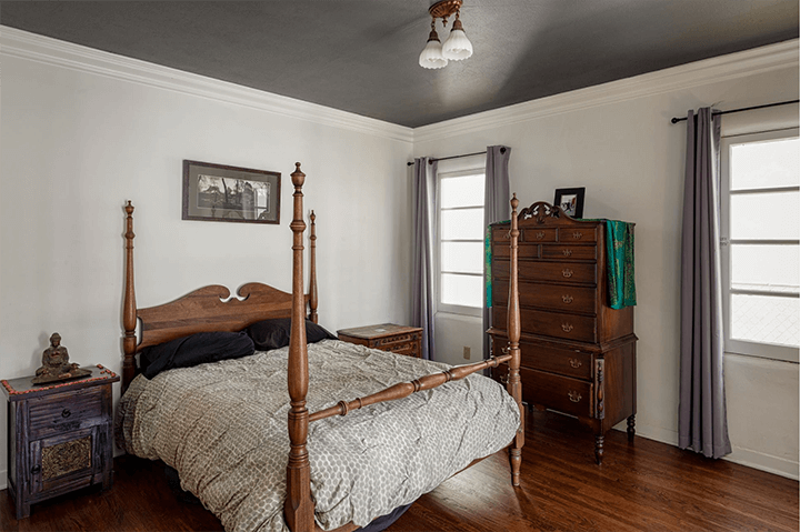 Spanish-style duplex for sale in Leimert Park Los Angeles