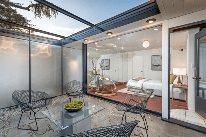 Squire House by Pierre Koenig for sale in La Canada