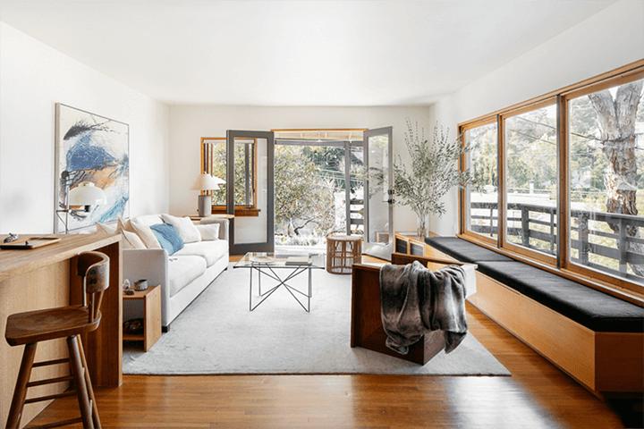 Updated CA bungalow in Mount Washington CA