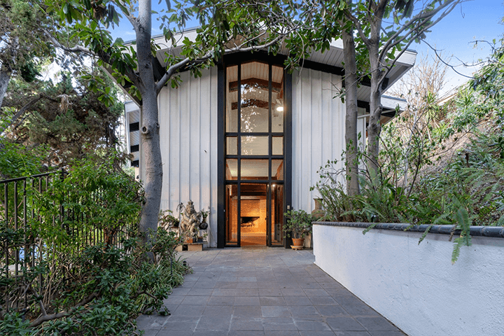 Midcentury fixer in the Hollywood Hills