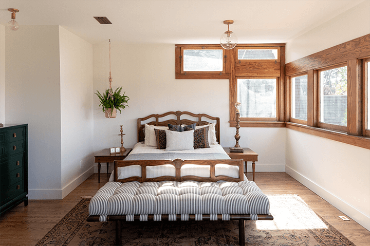 Restored CA bungalow for sale in Angelino Heights Echo Park