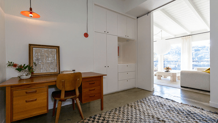 Mid century residence for sale in Highland Park